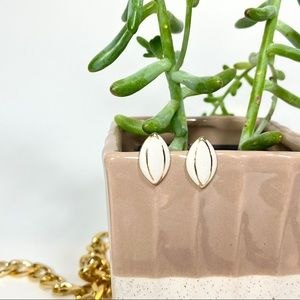 Vintage white gold small stud earrings